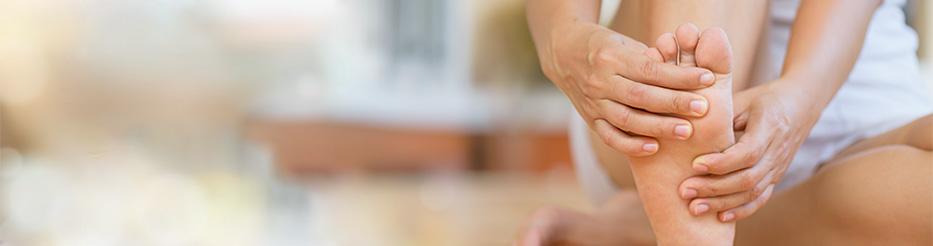 Les huiles essentielles pour les mains et pieds froids