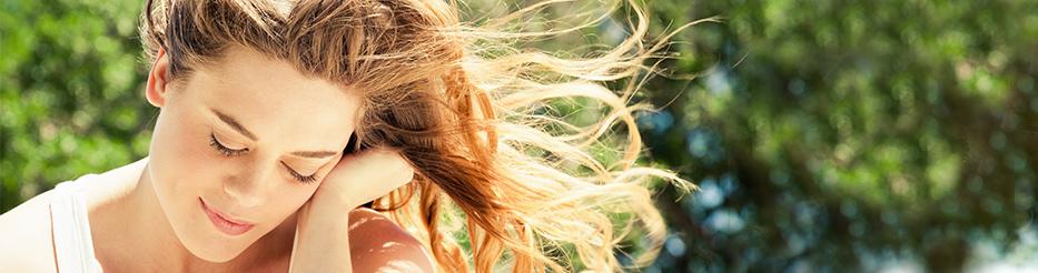 Les eaux florales pour cheveux gras