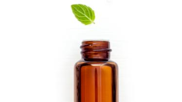 Les huiles essentielles contre les rides