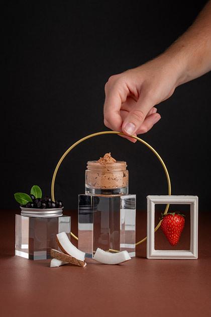 Purée de fraise & coco en masque exfoliant